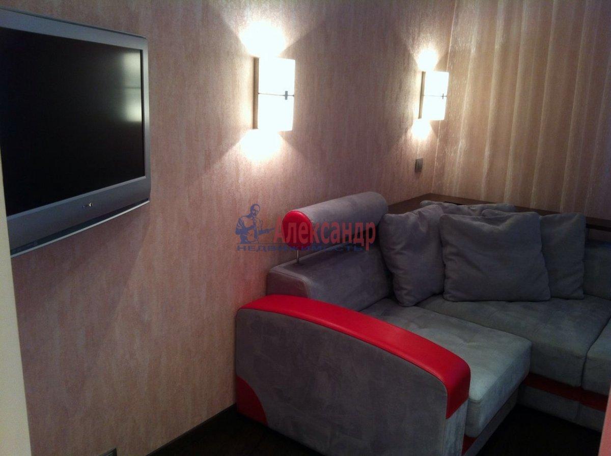 2-комнатная квартира (50м2) в аренду по адресу Науки пр., 17— фото 4 из 11