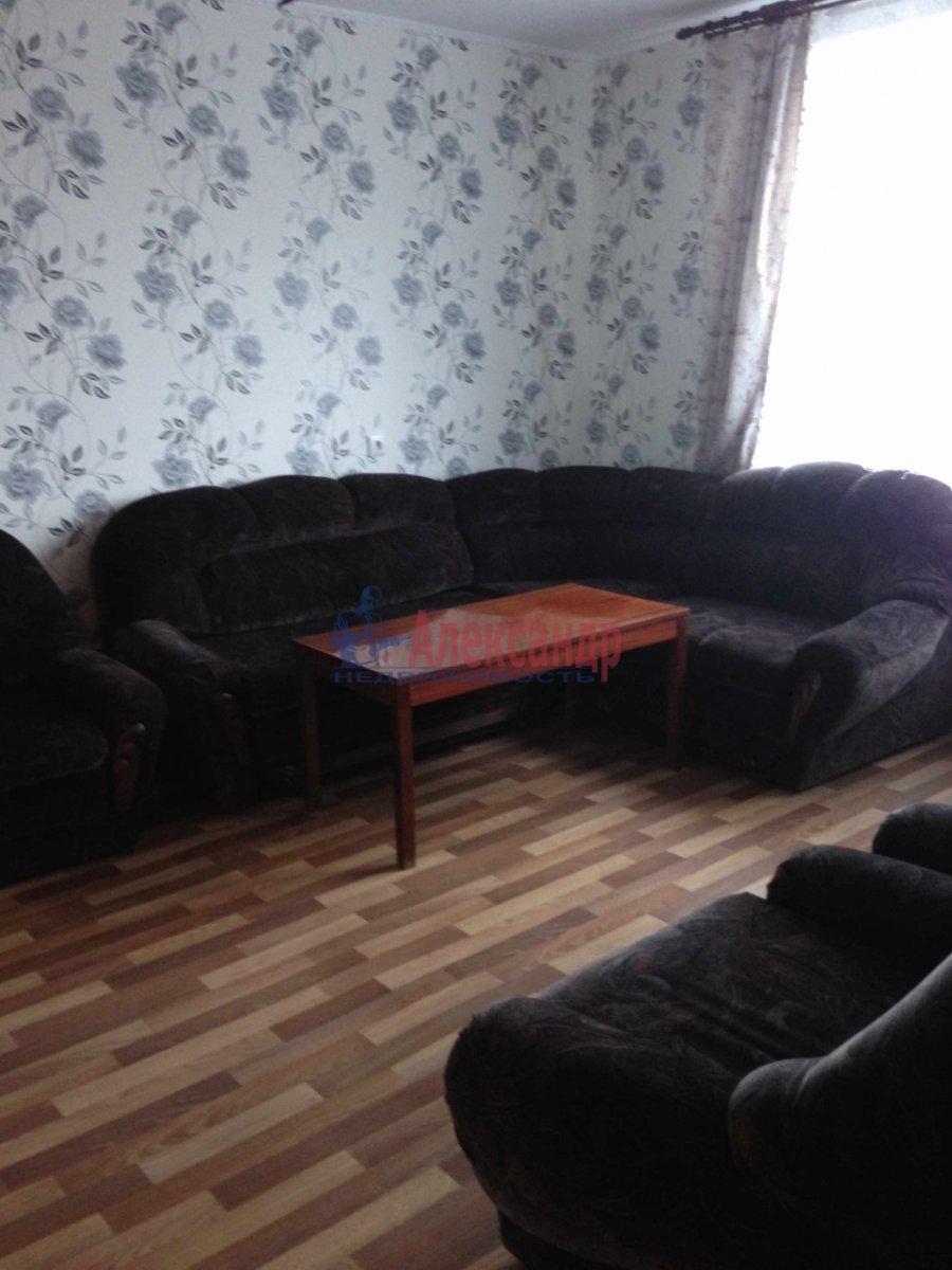 1-комнатная квартира (36м2) в аренду по адресу Руставели ул., 52— фото 1 из 3
