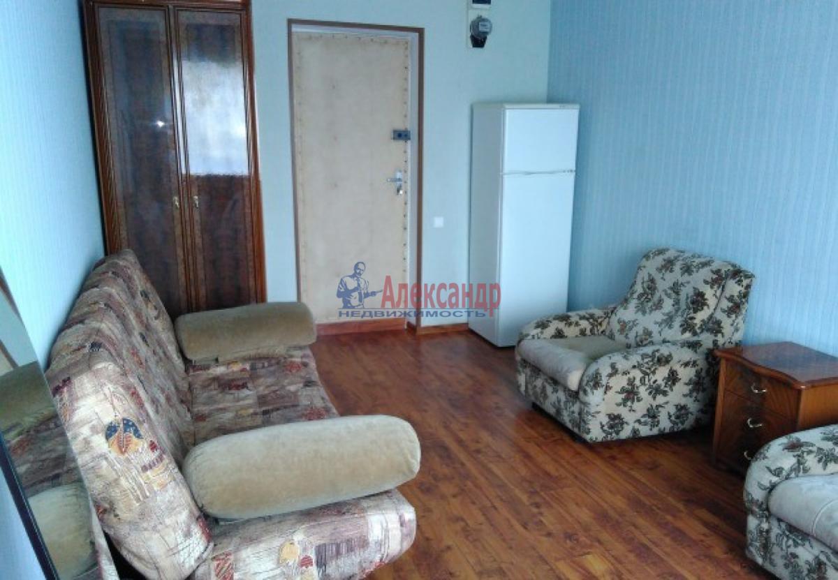 Комната в 3-комнатной квартире (55м2) в аренду по адресу Юрия Гагарина просп., 37— фото 1 из 3