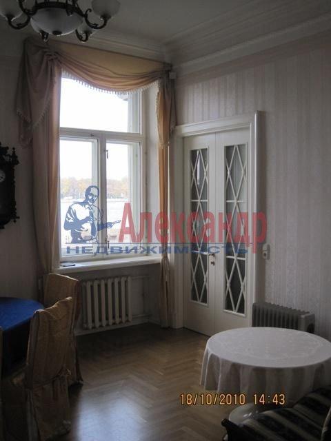 2-комнатная квартира (70м2) в аренду по адресу Английская наб., 30— фото 1 из 10