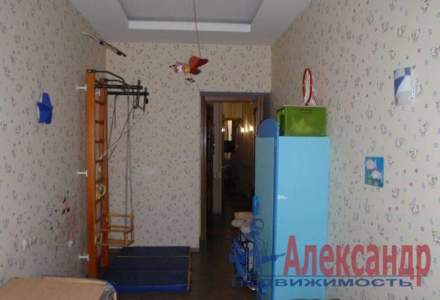3-комнатная квартира (94м2) в аренду по адресу 9 линия В.О., 70— фото 4 из 5