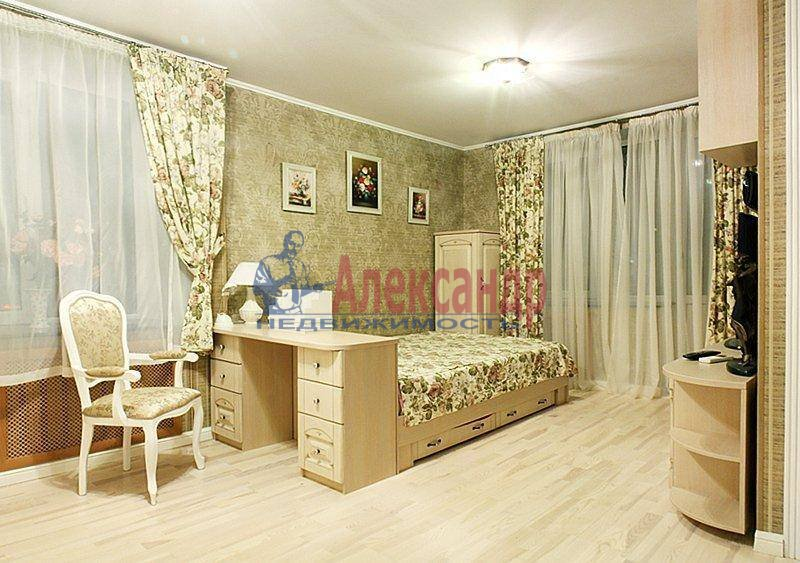 2-комнатная квартира (80м2) в аренду по адресу Фурштатская ул., 41— фото 1 из 1