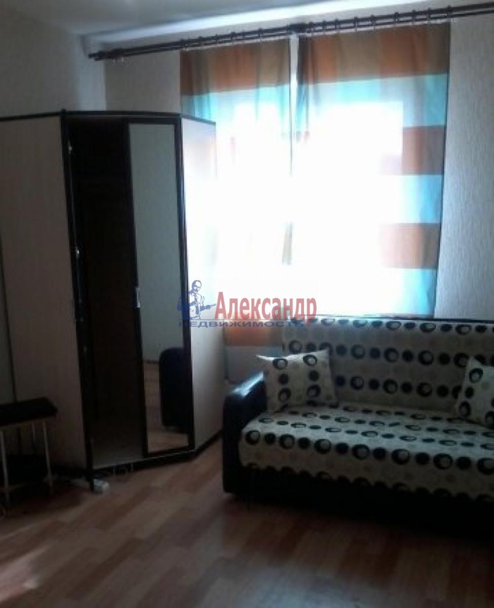 Комната в 2-комнатной квартире (42м2) в аренду по адресу Решетникова ул., 13— фото 1 из 2