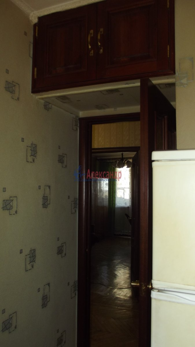 1-комнатная квартира (35м2) в аренду по адресу Нарвский пр., 9— фото 3 из 6