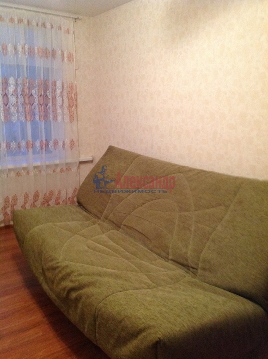 Комната в 4-комнатной квартире (86м2) в аренду по адресу Краснопутиловская ул., 99— фото 4 из 8