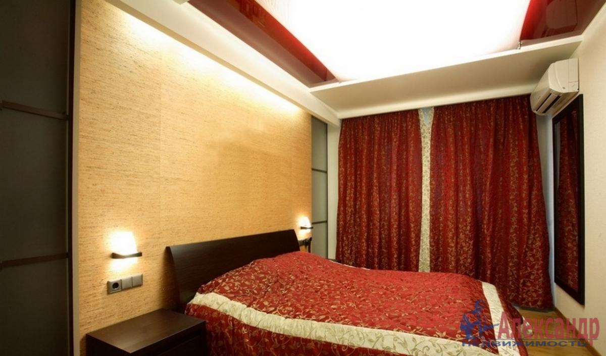 3-комнатная квартира (70м2) в аренду по адресу Авиационная ул., 11— фото 2 из 4