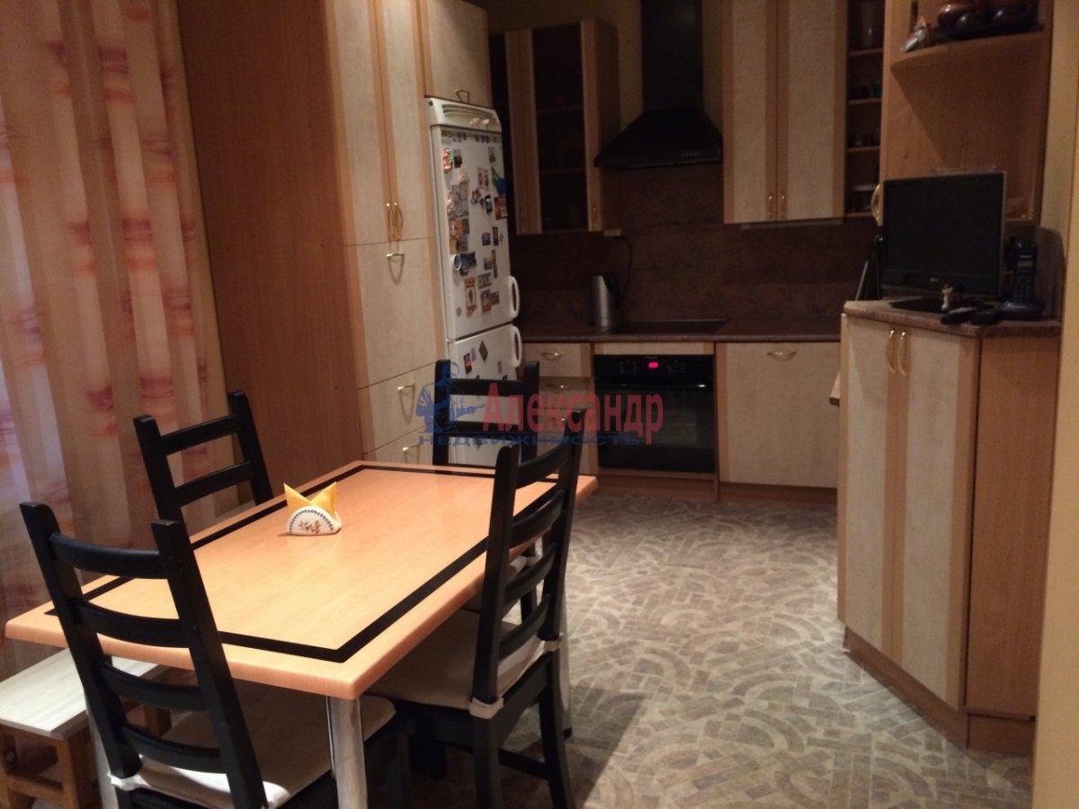 3-комнатная квартира (60м2) в аренду по адресу Киришская ул., 4— фото 3 из 9