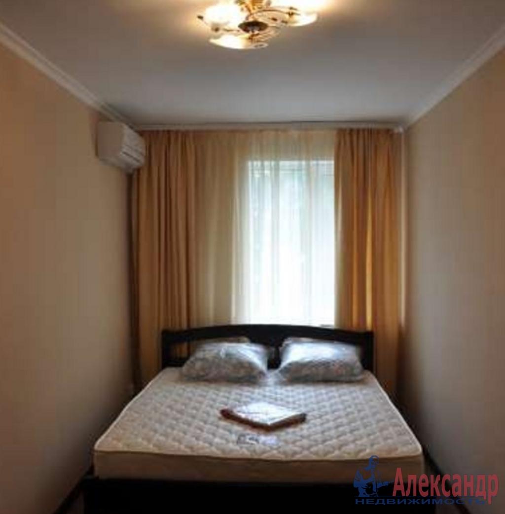 2-комнатная квартира (85м2) в аренду по адресу Малый В.О. пр., 9— фото 2 из 3