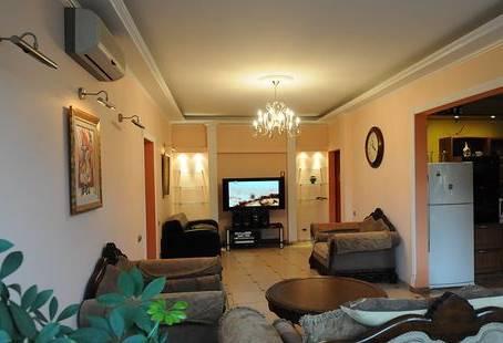 2-комнатная квартира (65м2) в аренду по адресу Дивенская ул., 14— фото 1 из 2