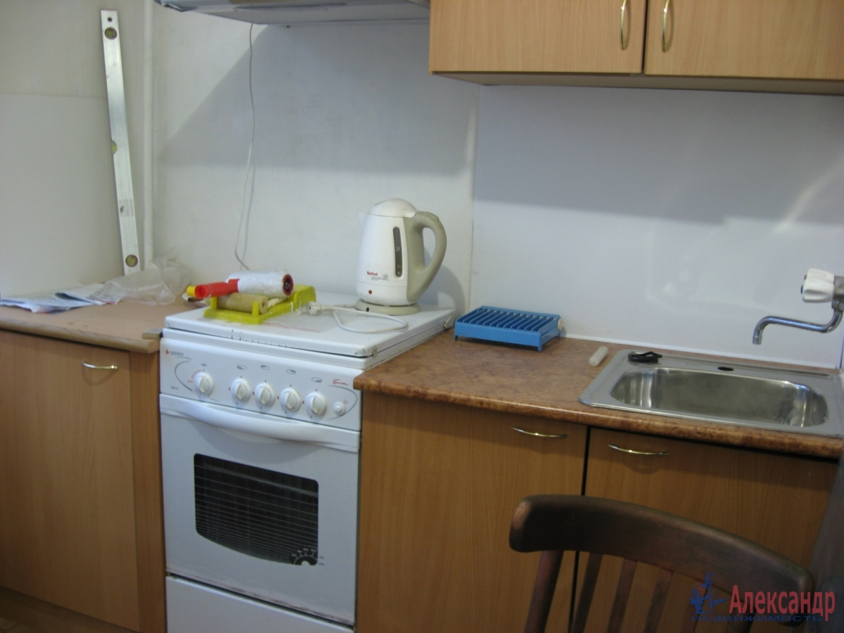 1-комнатная квартира (35м2) в аренду по адресу Шелгунова ул., 14— фото 1 из 2