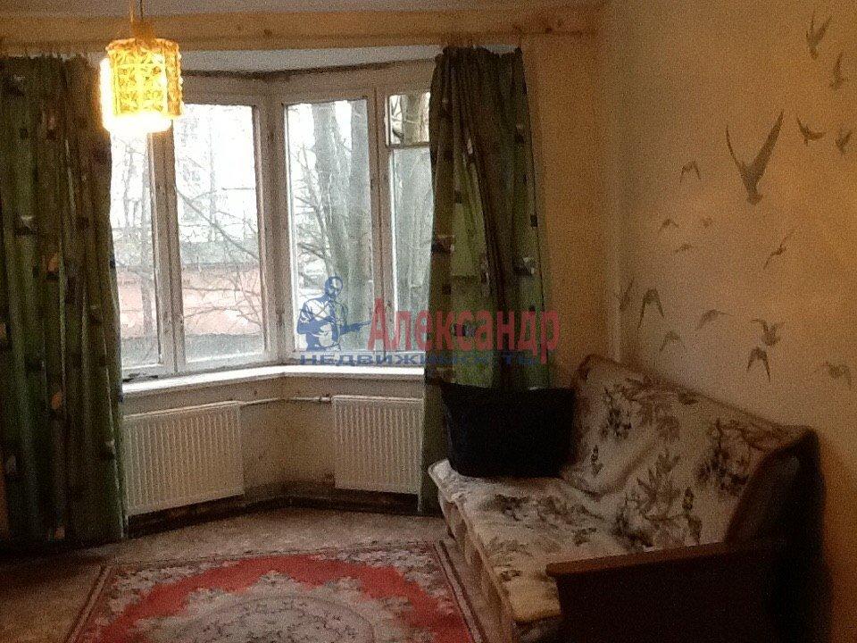 1-комнатная квартира (38м2) в аренду по адресу Матроса Железняка ул., 3— фото 1 из 4