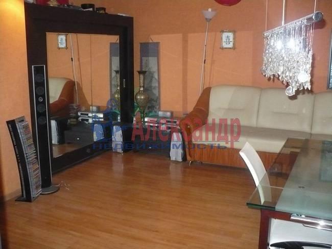 3-комнатная квартира (74м2) в аренду по адресу Сикейроса ул., 15— фото 1 из 5