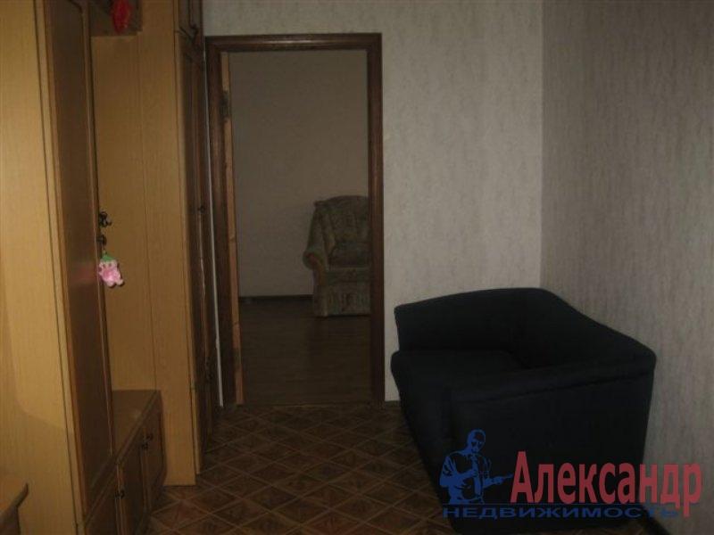 Комната в 2-комнатной квартире (35м2) в аренду по адресу Латышских Стрелков ул., 11— фото 1 из 3