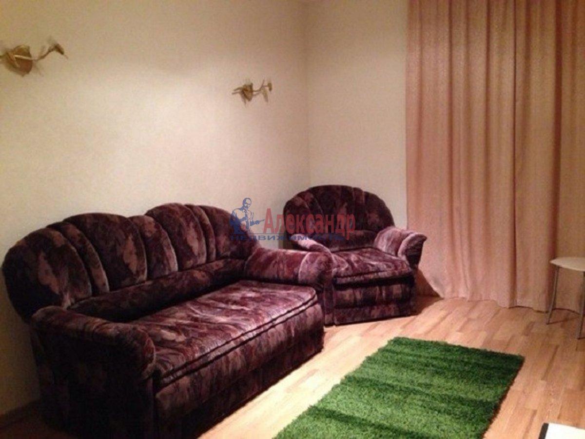 2-комнатная квартира (49м2) в аренду по адресу Белы Куна ул., 2— фото 2 из 7