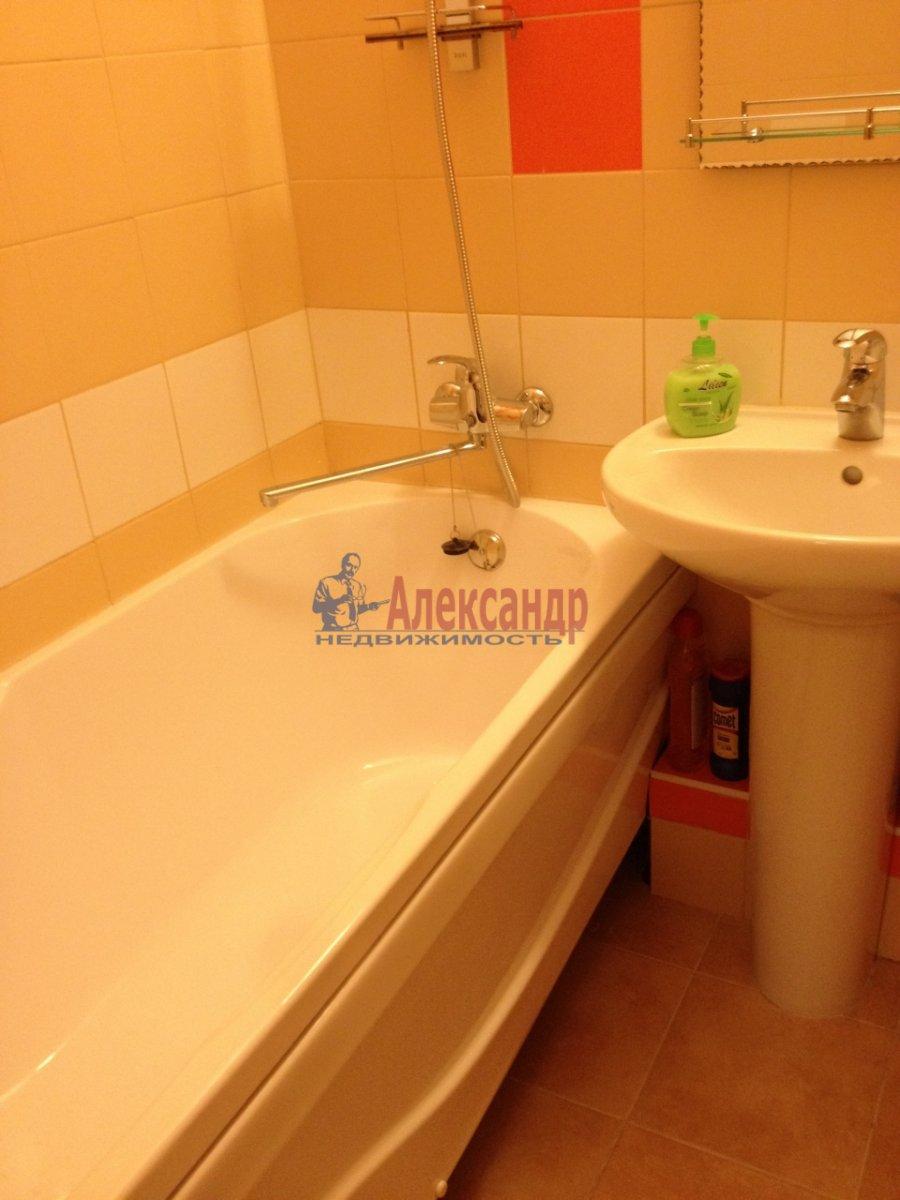1-комнатная квартира (34м2) в аренду по адресу Мурино пос., Привокзальная пл., 1А— фото 10 из 13