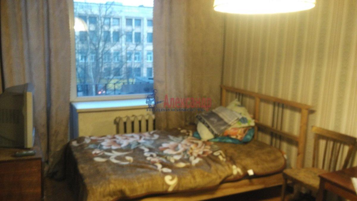 1-комнатная квартира (31м2) в аренду по адресу Новочеркасский пр., 51— фото 2 из 7