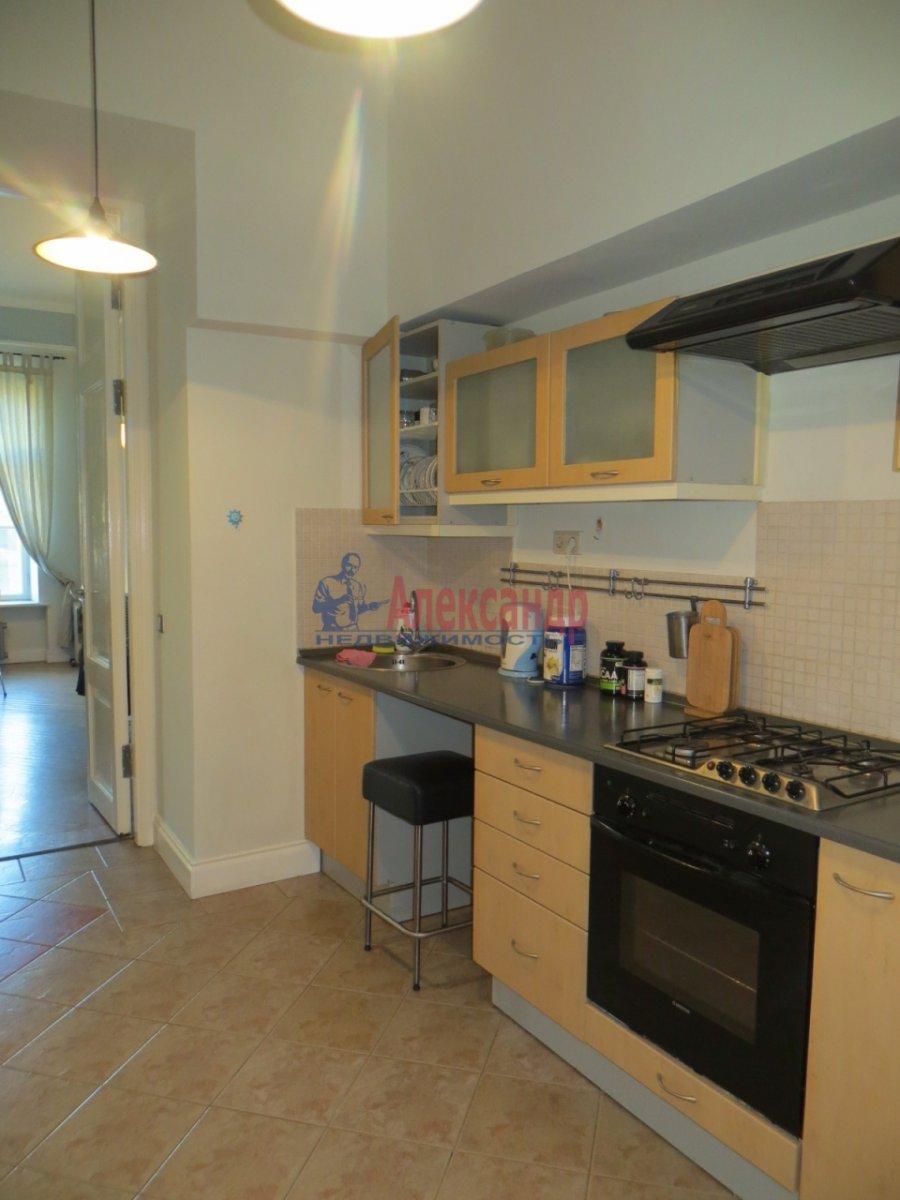 2-комнатная квартира (60м2) в аренду по адресу Конюшенный пер., 1— фото 2 из 4