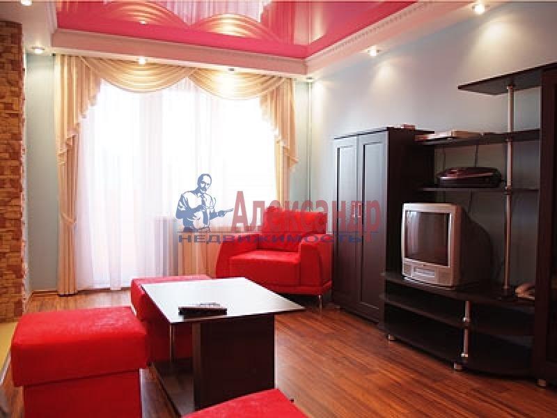 2-комнатная квартира (70м2) в аренду по адресу Науки пр., 17— фото 2 из 2