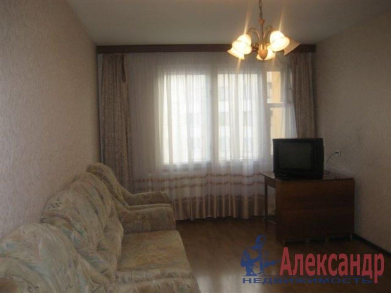 Комната в 2-комнатной квартире (35м2) в аренду по адресу Латышских Стрелков ул., 11— фото 2 из 3