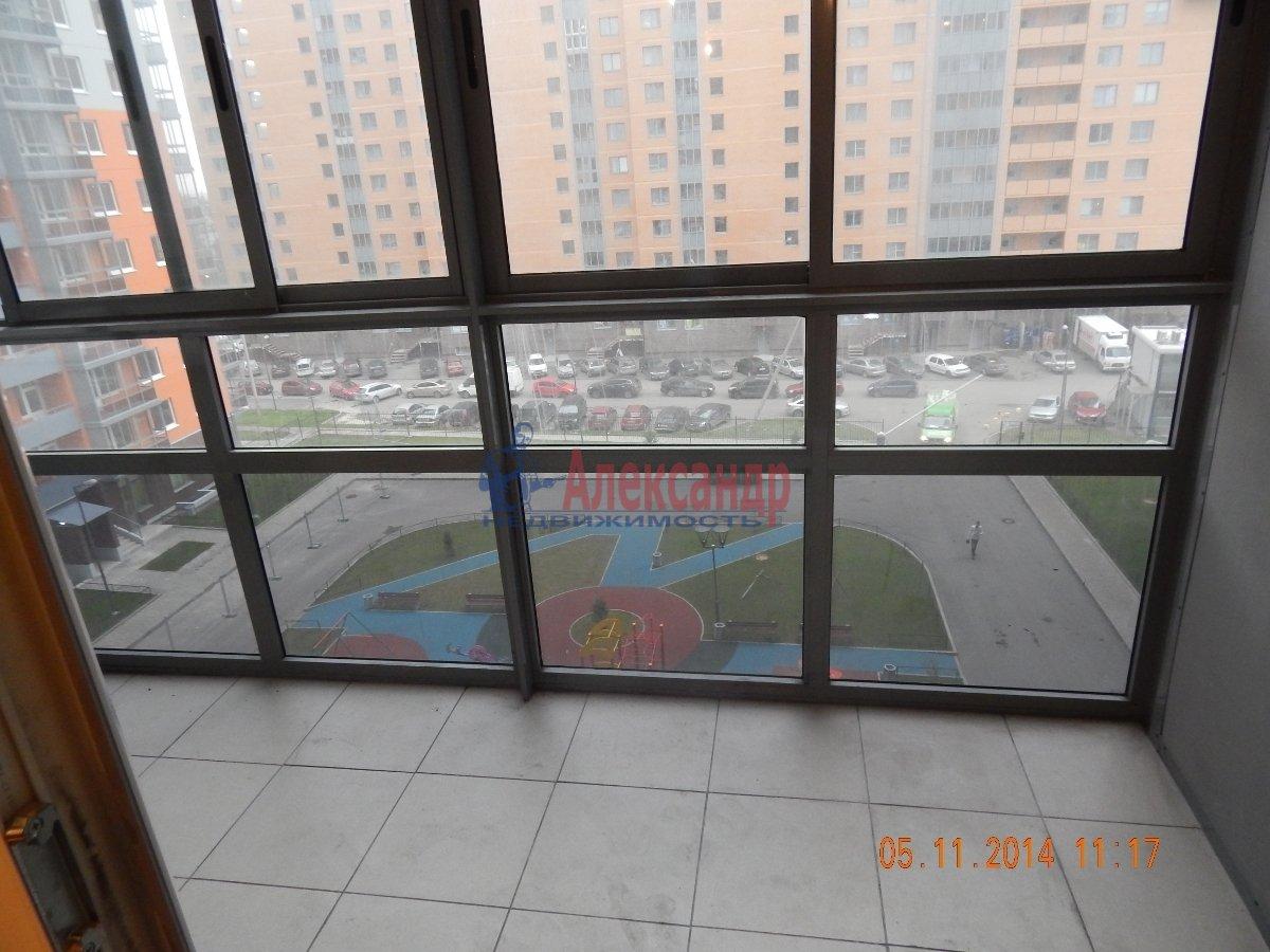 1-комнатная квартира (43м2) в аренду по адресу Мурино пос., Привокзальная пл., 3— фото 3 из 9