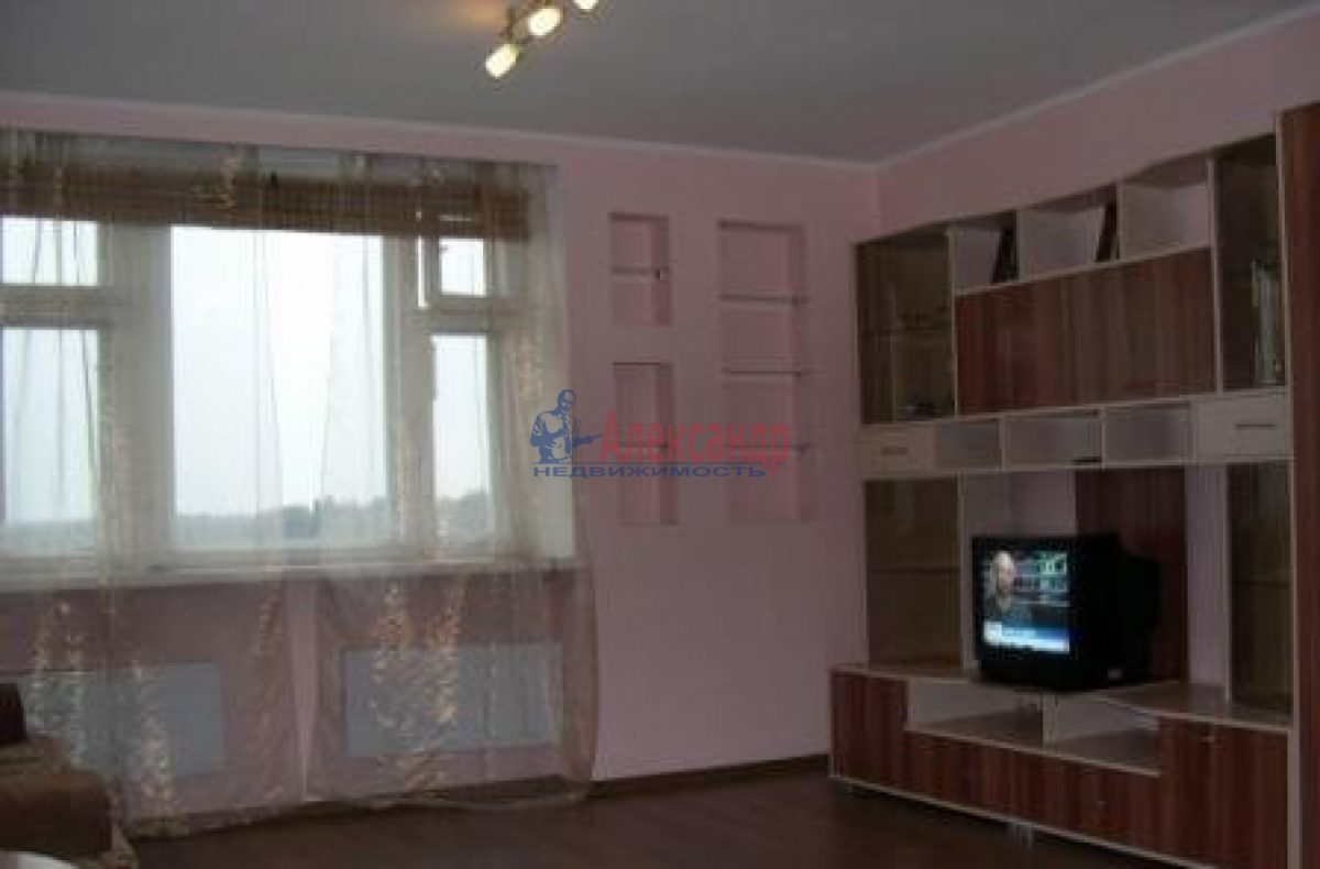 1-комнатная квартира (34м2) в аренду по адресу Ветеранов пр., 112— фото 1 из 6
