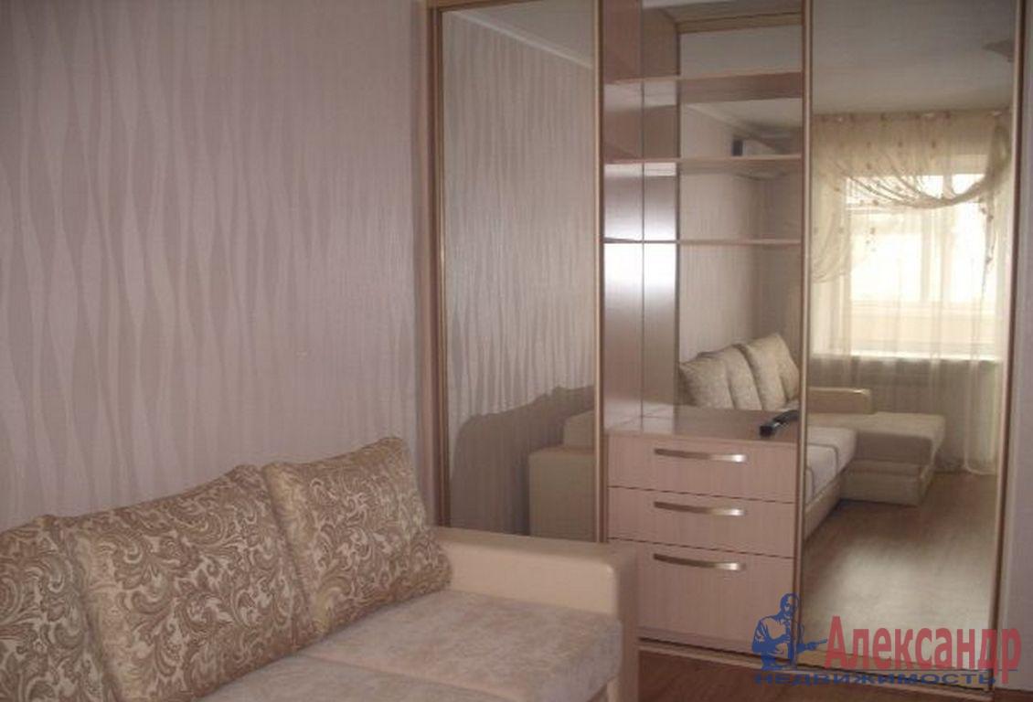 1-комнатная квартира (36м2) в аренду по адресу Новоизмайловский просп., 46— фото 1 из 3