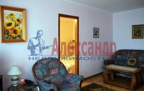 3-комнатная квартира (62м2) в аренду по адресу Димитрова ул., 2— фото 1 из 4