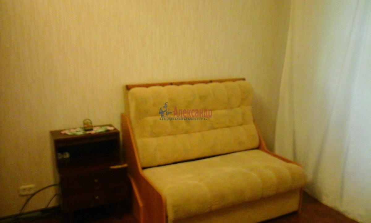 1-комнатная квартира (35м2) в аренду по адресу Гаврская ул., 15— фото 2 из 5