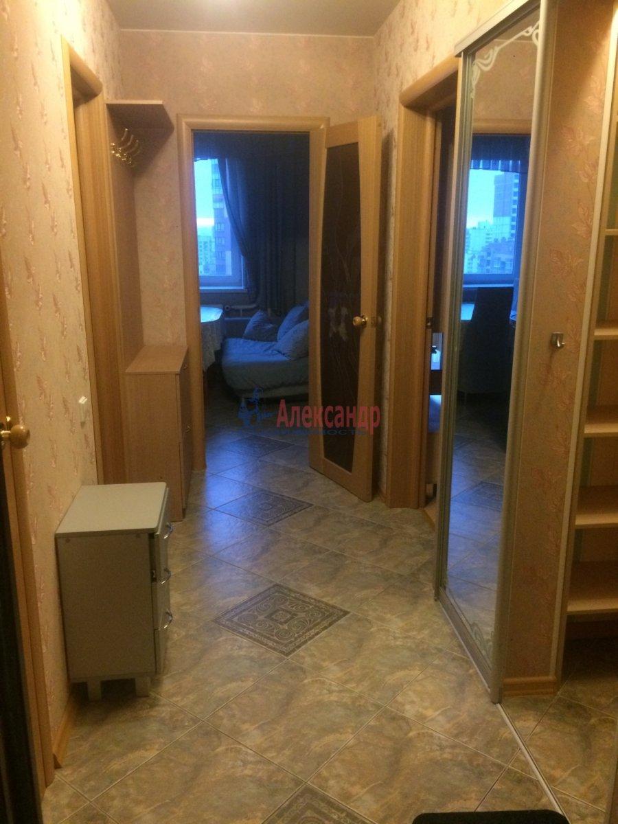1-комнатная квартира (40м2) в аренду по адресу Космонавтов просп., 61— фото 1 из 11