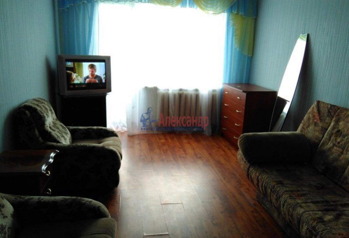 Комната в 3-комнатной квартире (55м2) в аренду по адресу Юрия Гагарина просп., 37— фото 2 из 3
