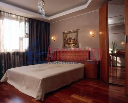 1-комнатная квартира (40м2) в аренду по адресу Шлиссельбургский пр., 22— фото 2 из 3