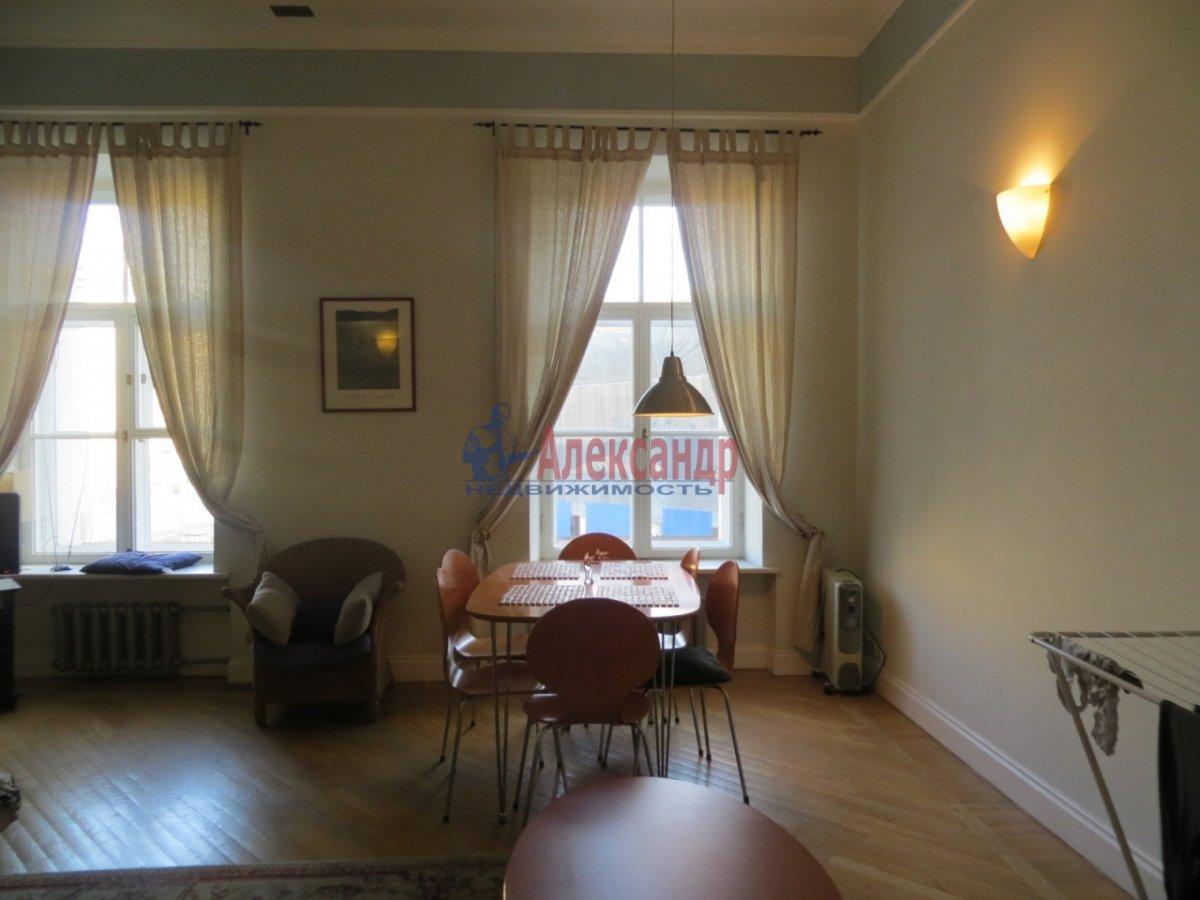 2-комнатная квартира (60м2) в аренду по адресу Конюшенный пер., 1— фото 3 из 4