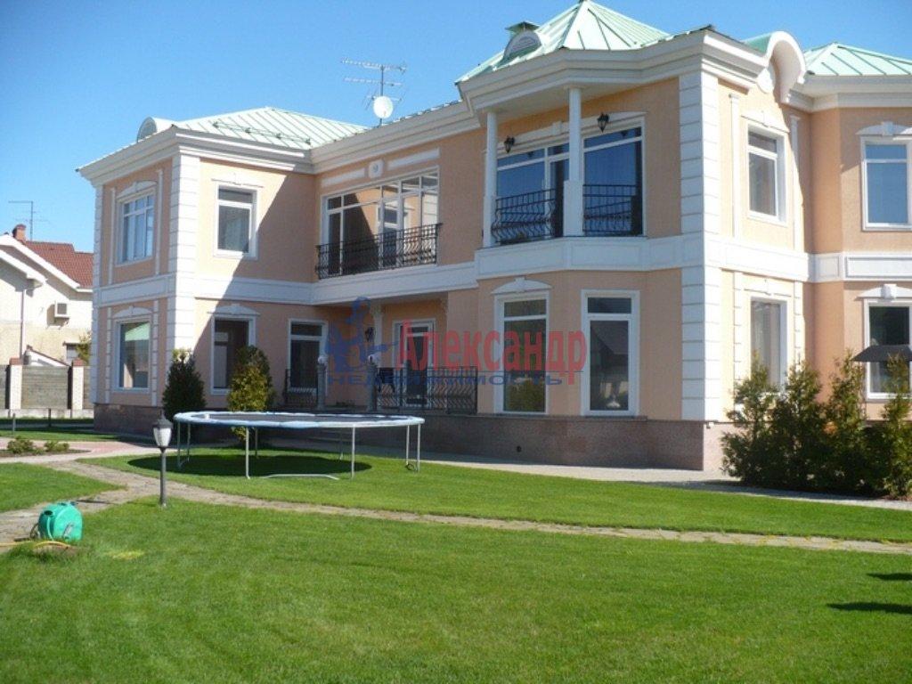 Дом (250м2) в аренду — фото 1 из 15