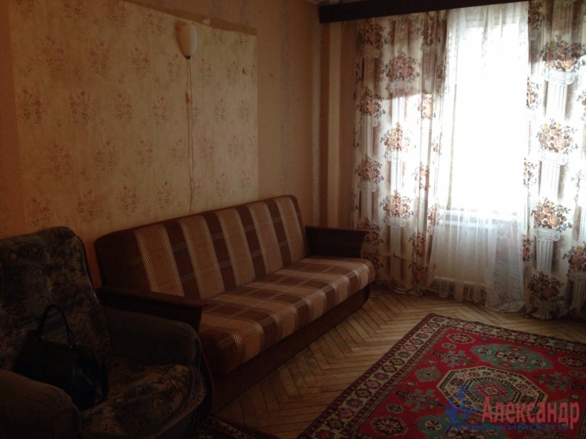1-комнатная квартира (30м2) в аренду по адресу Грибакиных ул., 2— фото 1 из 10