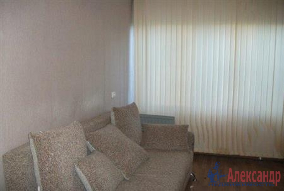 1-комнатная квартира (42м2) в аренду по адресу Ленинский пр., 95— фото 1 из 3