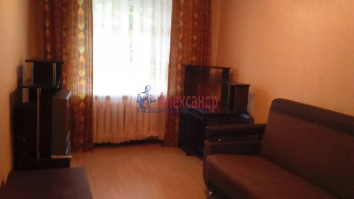 Комната в 2-комнатной квартире (50м2) в аренду по адресу Металлострой пос., Богайчука ул., 22— фото 2 из 4