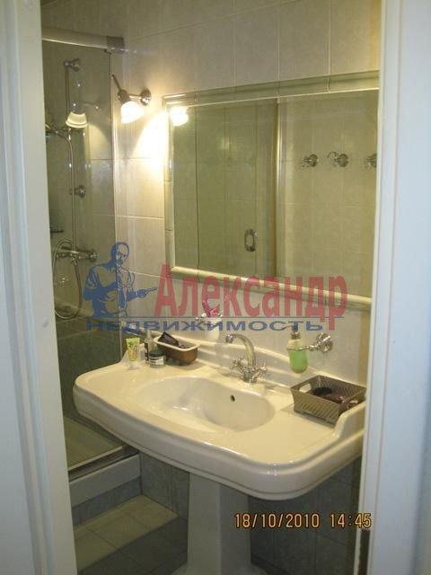2-комнатная квартира (70м2) в аренду по адресу Английская наб., 30— фото 8 из 10