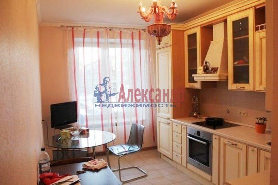 1-комнатная квартира (40м2) в аренду по адресу Летчика Пилютова ул., 5— фото 2 из 3