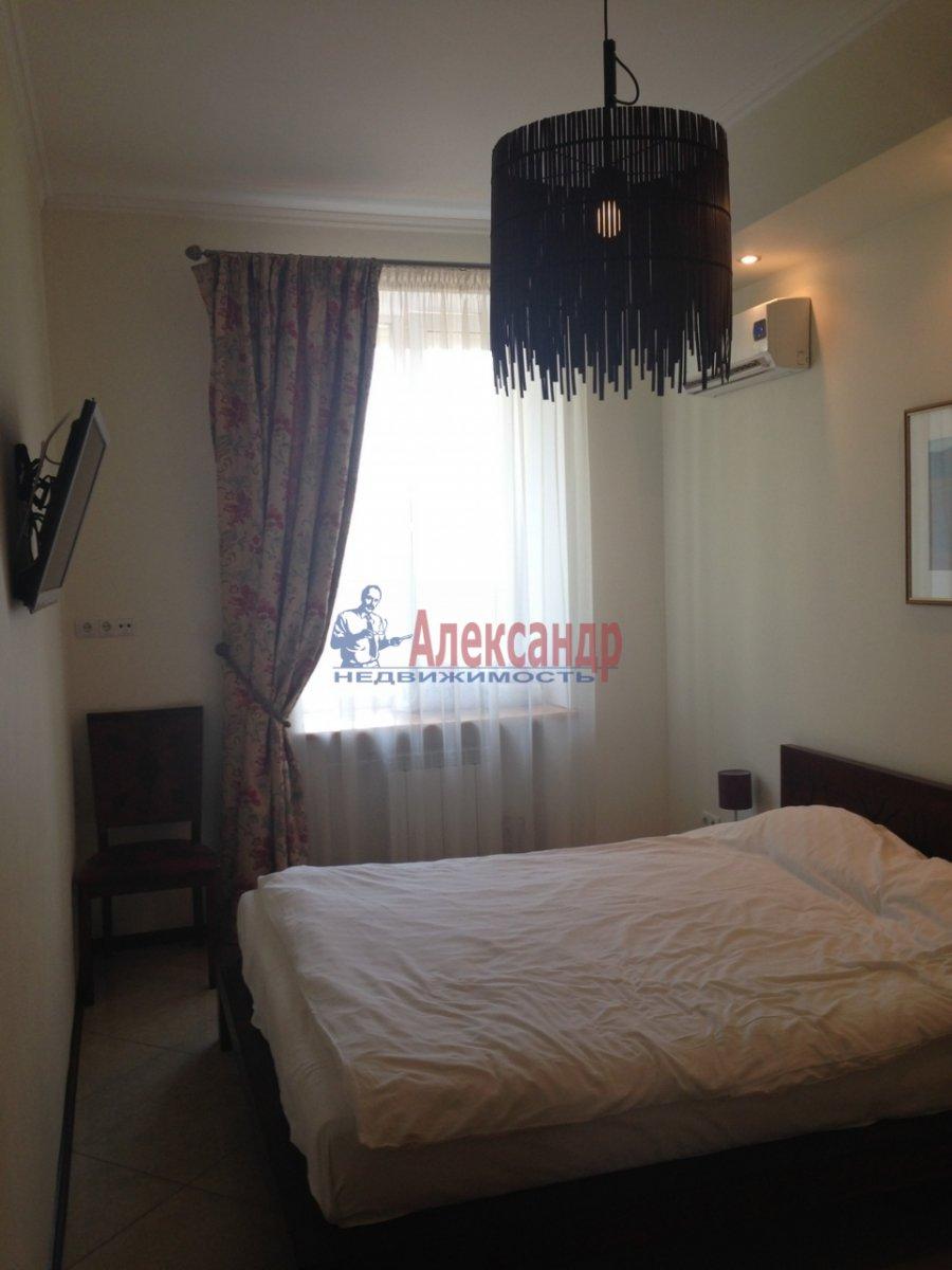 2-комнатная квартира (58м2) в аренду по адресу Бухарестская ул., 96— фото 1 из 4