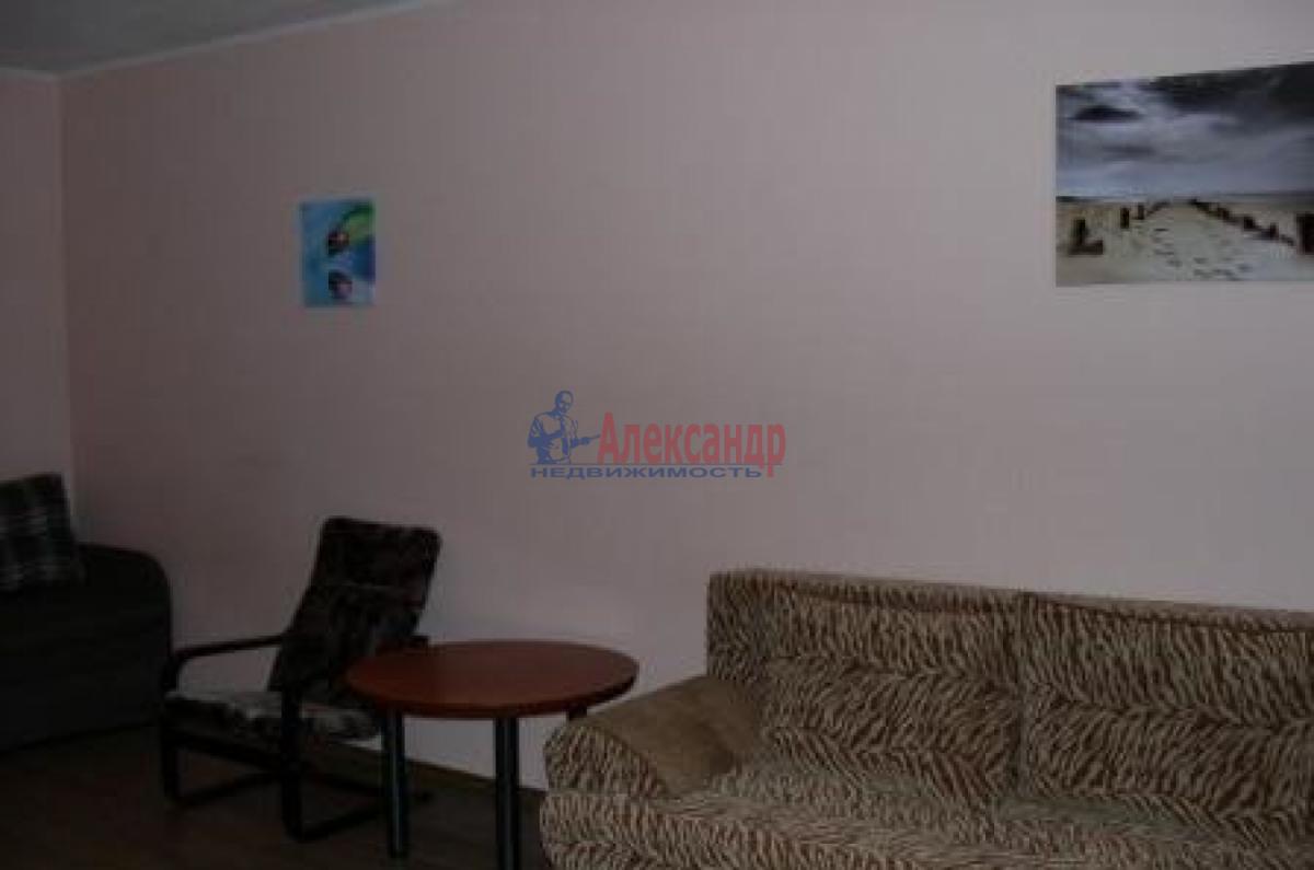 1-комнатная квартира (34м2) в аренду по адресу Ветеранов пр., 112— фото 2 из 6