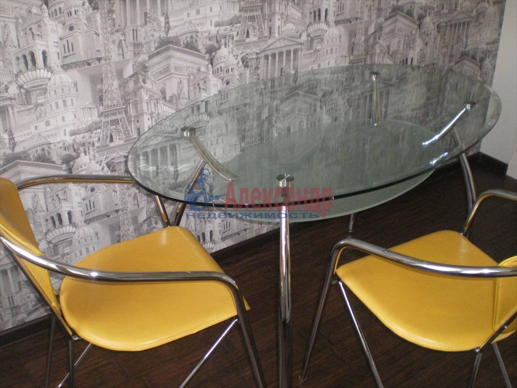 2-комнатная квартира (80м2) в аренду по адресу Большой Сампсониевский просп., 82— фото 5 из 7