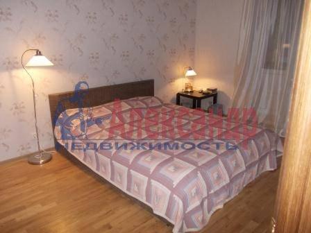 1-комнатная квартира (40м2) в аренду по адресу Передовиков ул., 9— фото 3 из 5