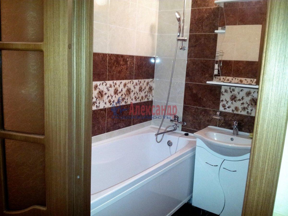 2-комнатная квартира (46м2) в аренду по адресу Шелгунова ул., 7— фото 7 из 16