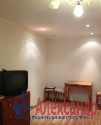 Комната в 3-комнатной квартире (65м2) в аренду по адресу Канала Грибоедова наб., 39— фото 1 из 3