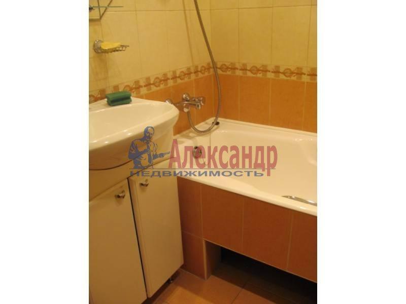 2-комнатная квартира (62м2) в аренду по адресу Российский пр., 4— фото 2 из 4