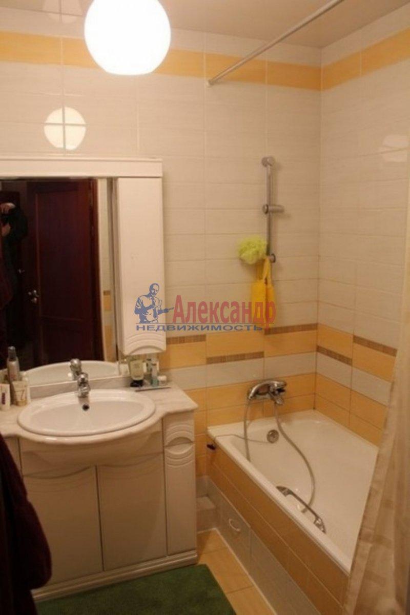 1-комнатная квартира (40м2) в аренду по адресу Летчика Пилютова ул., 5— фото 3 из 3