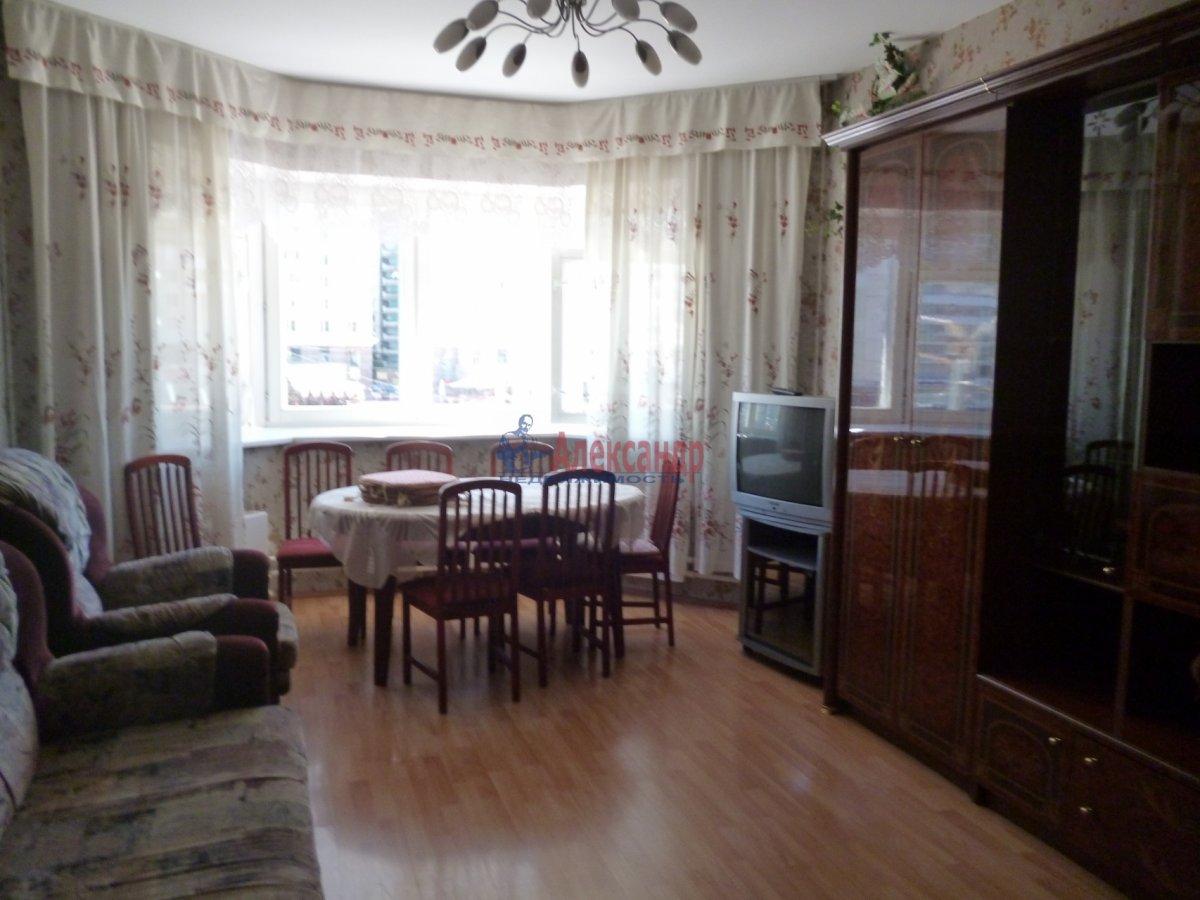 2-комнатная квартира (68м2) в аренду по адресу Комендантский пр., 12— фото 10 из 18