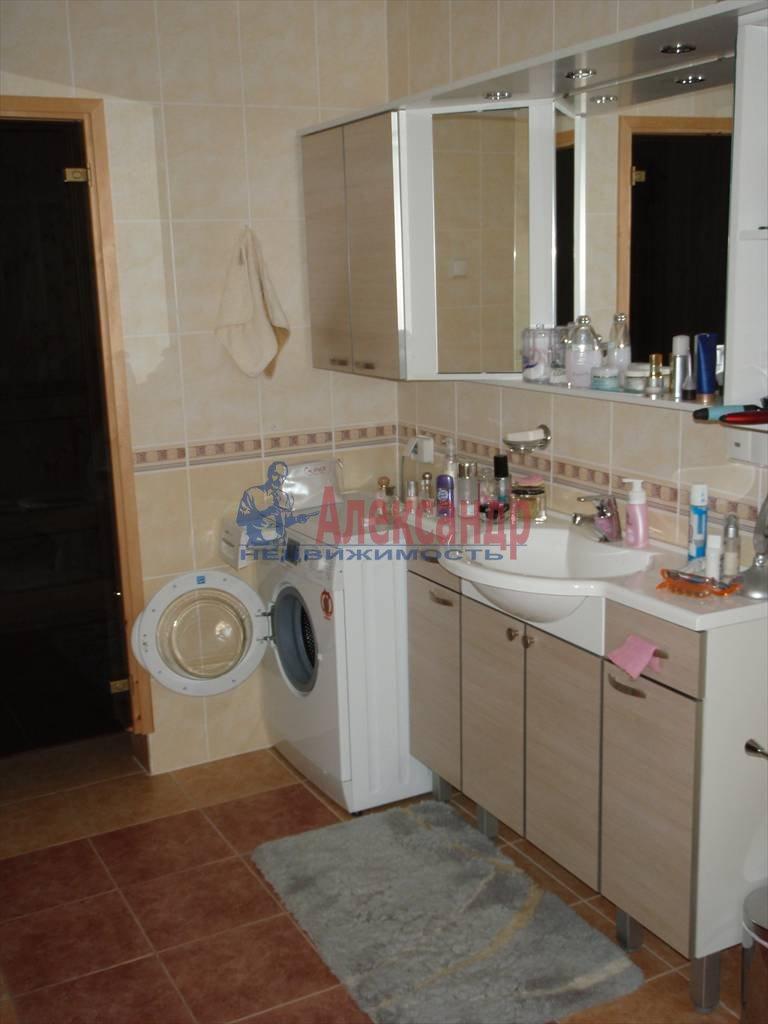 3-комнатная квартира (64м2) в аренду по адресу Павловск г.— фото 3 из 5