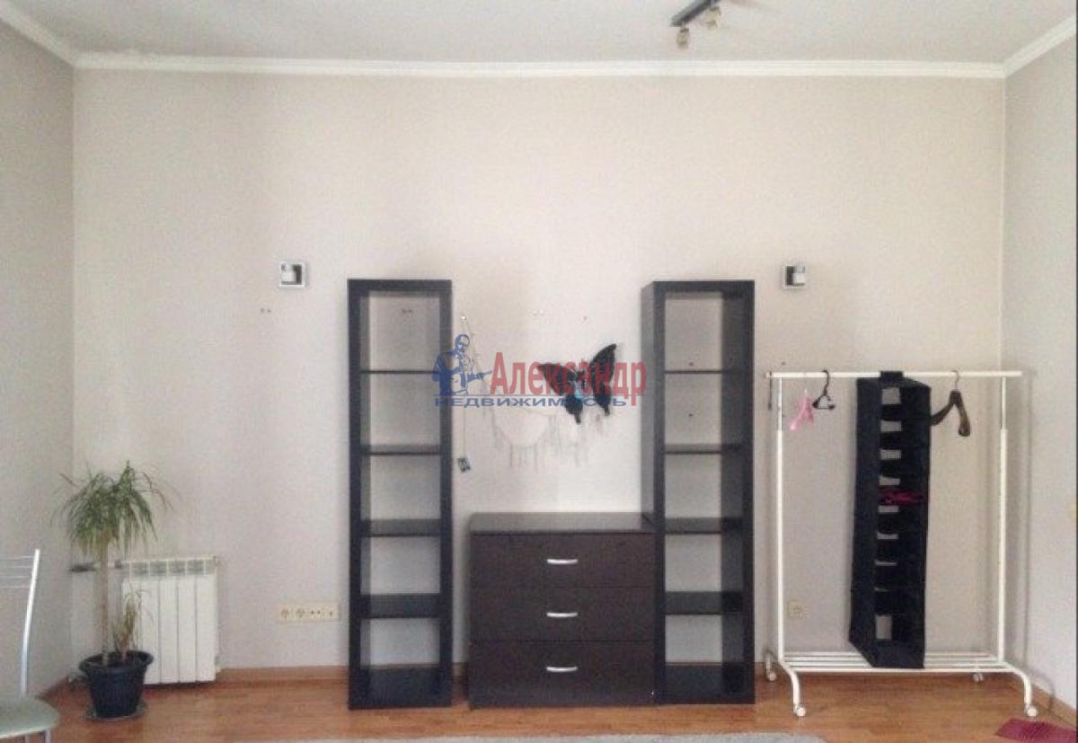 Комната в 4-комнатной квартире (83м2) в аренду по адресу Алтайская ул., 7— фото 2 из 5