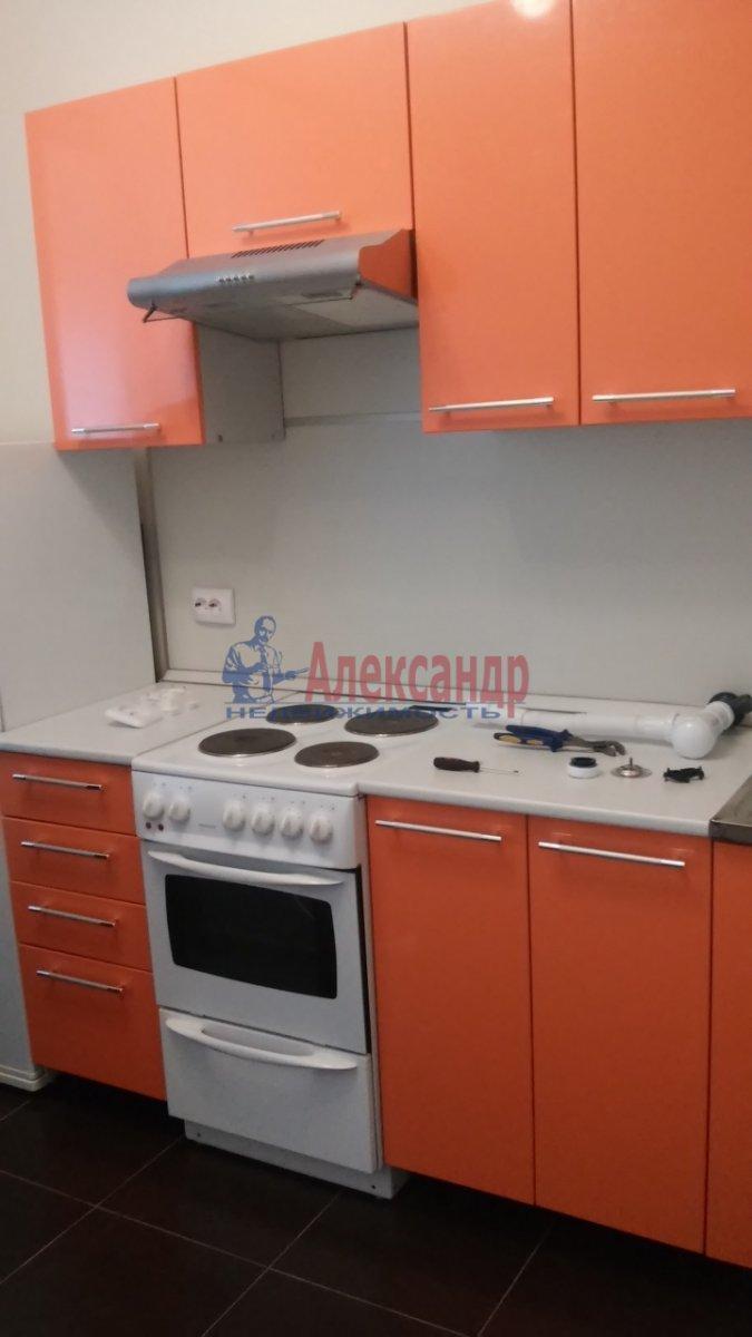 1-комнатная квартира (40м2) в аренду по адресу Просвещения пр., 15— фото 4 из 8